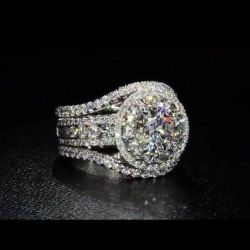 3.5 CT Classic Halo Round Brilliant Engagement Ring